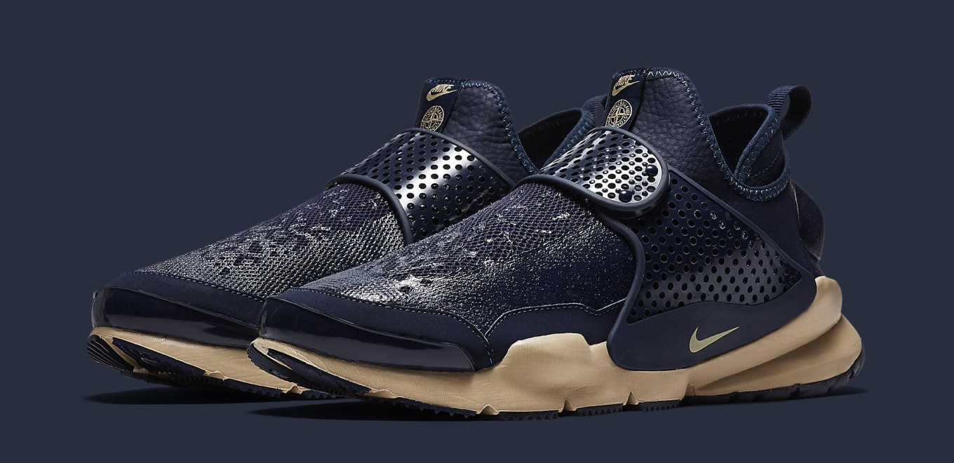 sports shoes bde6c be56c Stone Island Nike Sock Dart Mid | Sole Collector