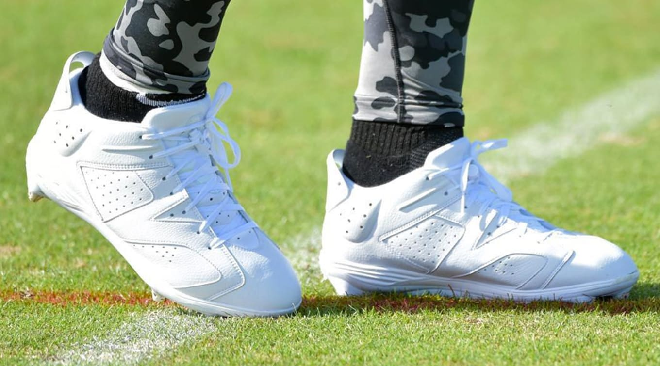 7db667c23945 Dez Bryant - Air Jordan 6 Low