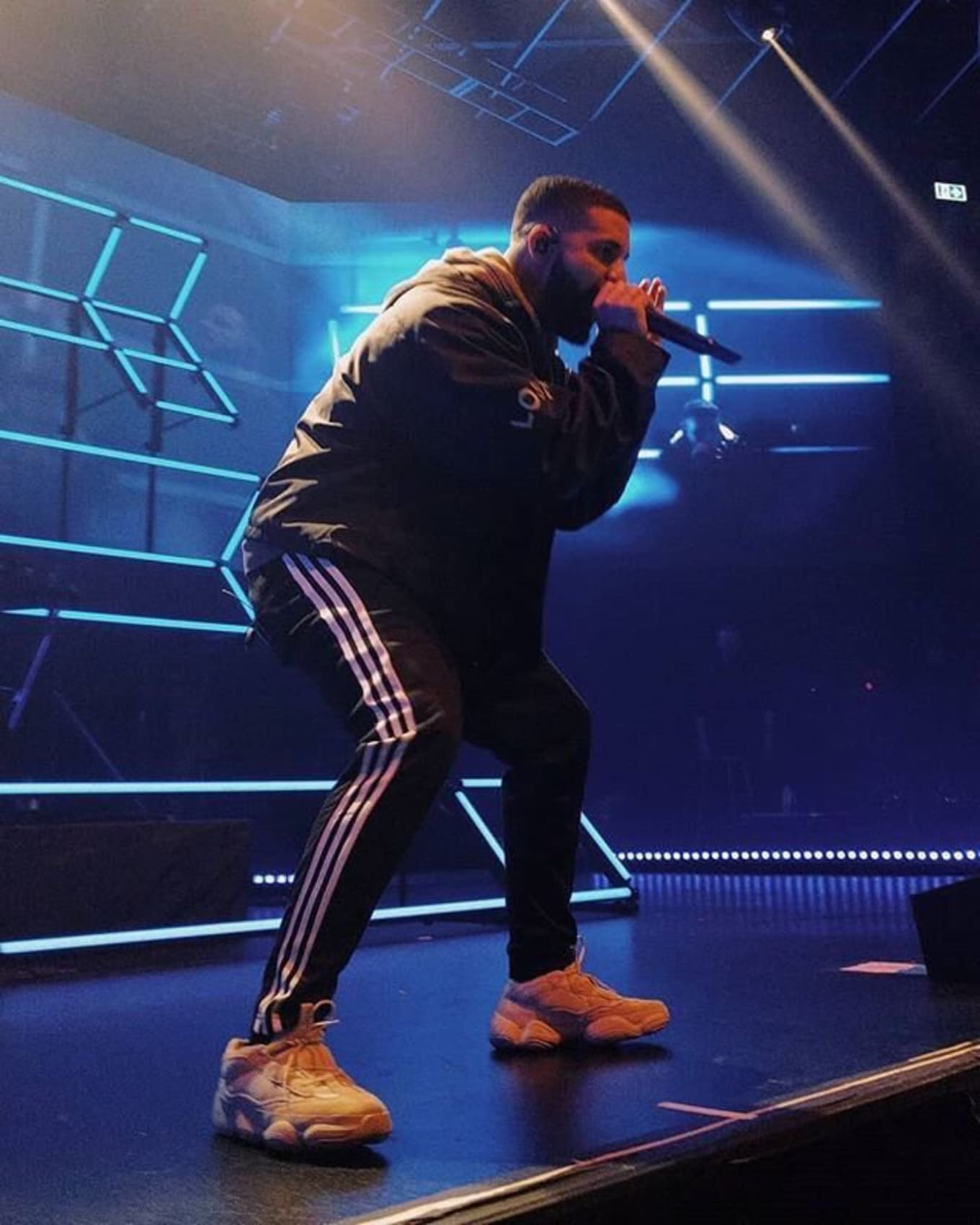 377074115bd2d Drake Performs in Adidas Yeezy 500