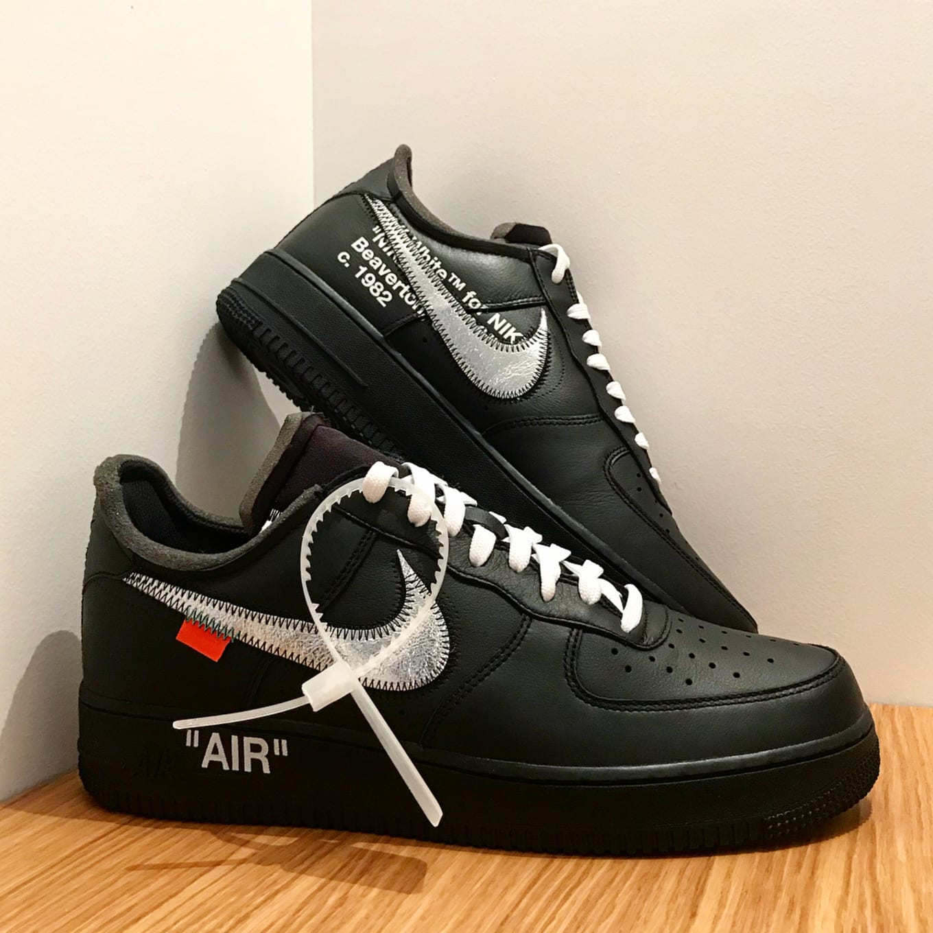 best sneakers 48b13 65ff4 Nike Air Force 1 Low. Image via suchafraud23. The black-based Off-White ...