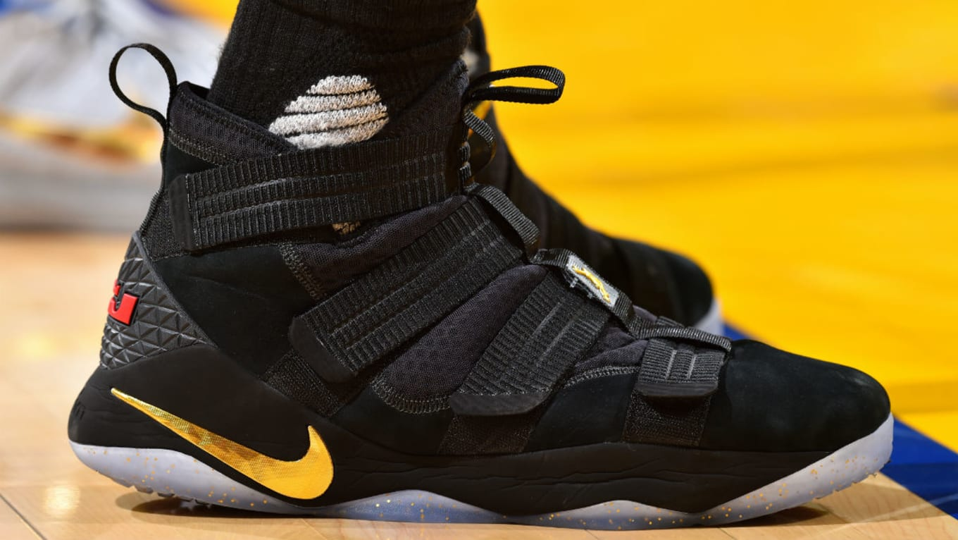 2d4451fb9a15 LeBron James Debuts Nike LeBron Soldier 11 Black Gold Finals PE in ...