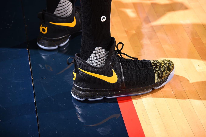 Kevin Durant Wearing a Black Yellow Toe Nike KD 9 PE  9371de565e5e