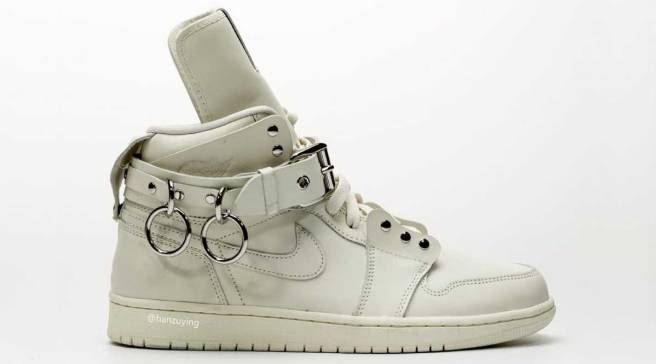 91f2440581c A Closer Look at the Comme des Garcons x Air Jordan 1 Collab