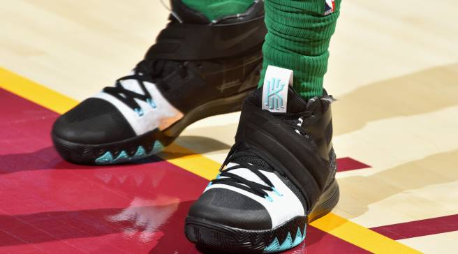 cffd3a019656 Kyrie Irving Debuts New Nike Sneaker