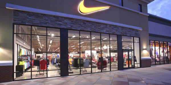 Nike Will Reportedly Stop Supplying Some Independent Stores by 2021