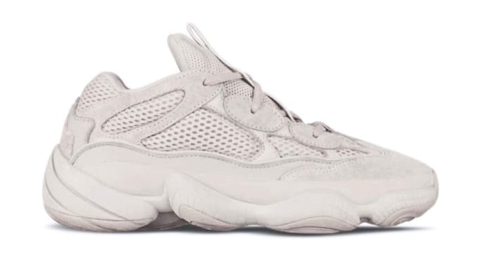 0255cc9f6 Kim Kardashian White Nike Shoes - Style Guru  Fashion