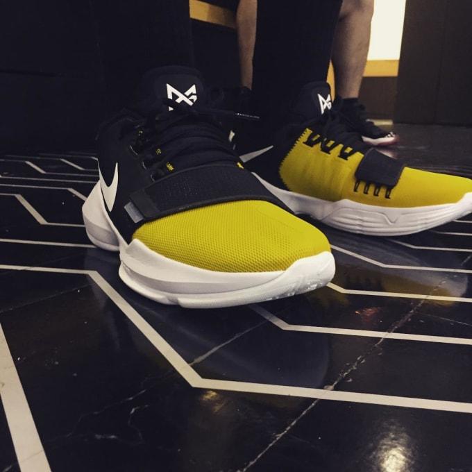 14 black white tour yellow