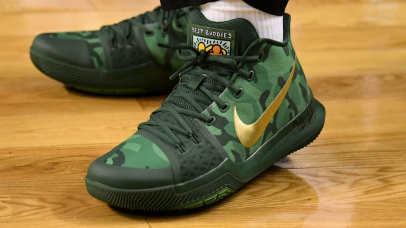 801c870770b7 ... Kyrie Irving Nike Kyrie 3 Green Camo Best Buddies PE Sole C