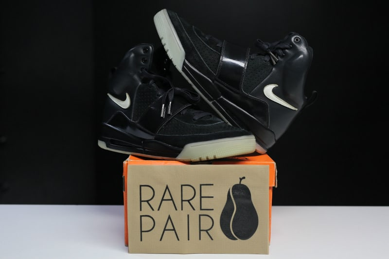 Air Yeezy Black White shoes