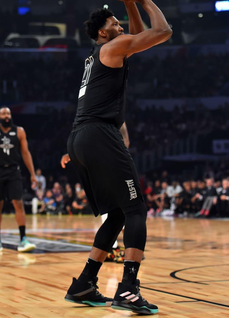 Guia dos tênis dos jogadores do NBA All-Star Game 2018 - Área Restritiva 63b62eb69ec8e
