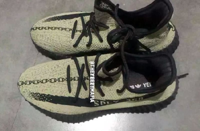 Yeezy V 2 green fake vs real, Yeezy Boost 350 V 2 Red