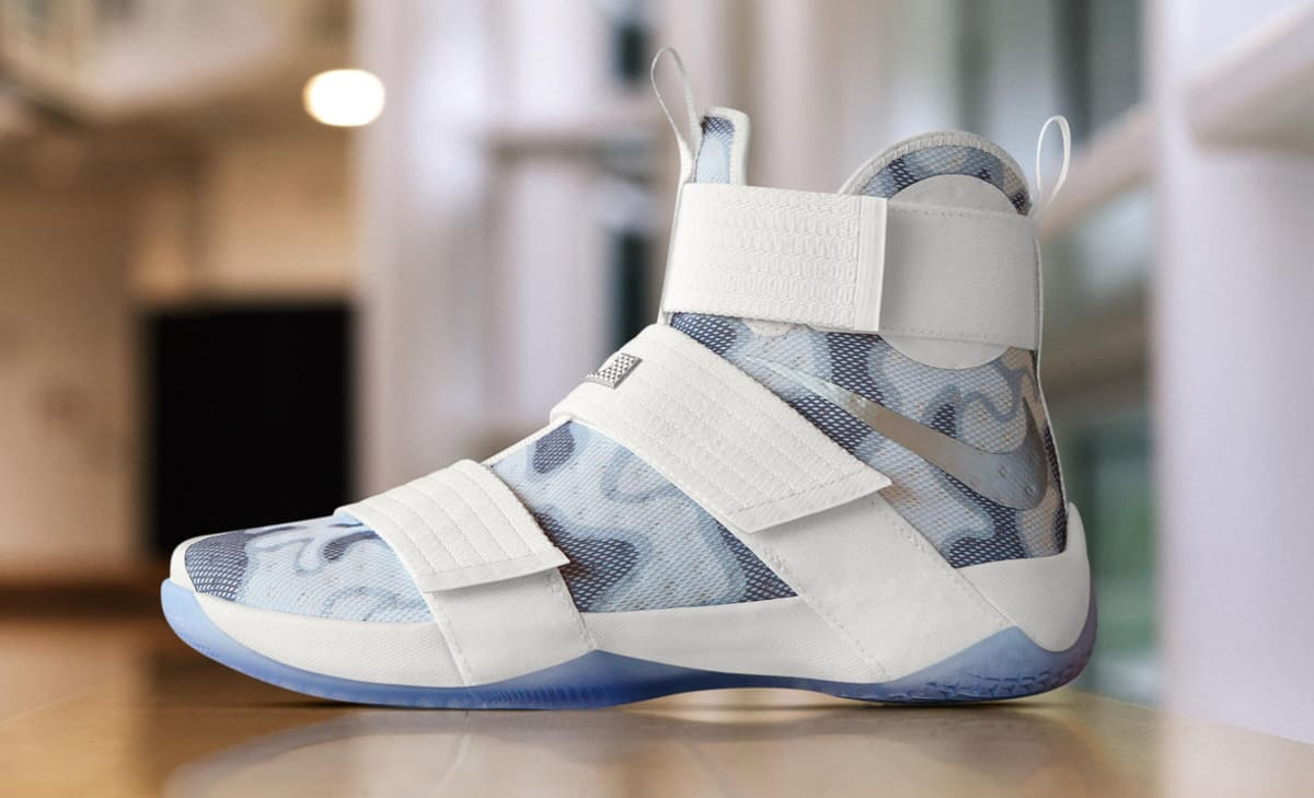 camo nike lebron soldier 10 veterans day sole collector. Black Bedroom Furniture Sets. Home Design Ideas