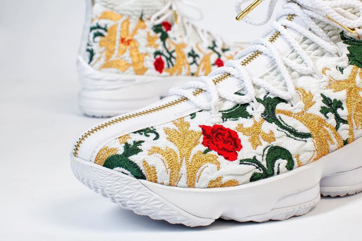 Nike Lebron 15 Zip Floral Colorway Sole Collector