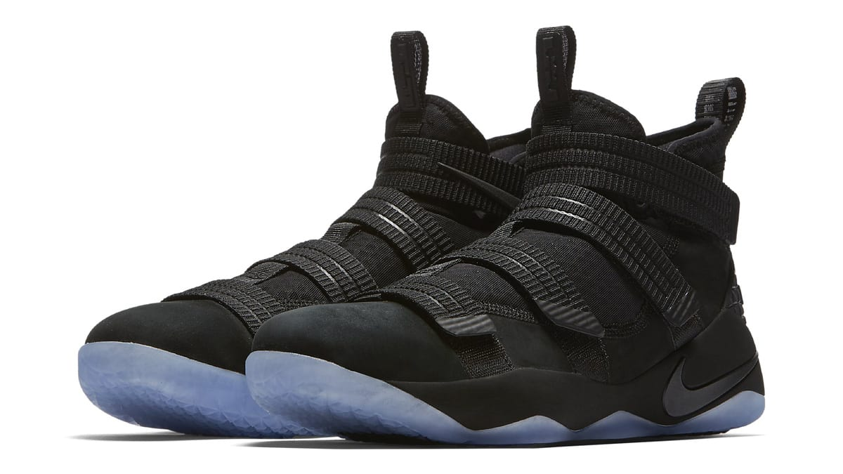 reputable site c2831 57d3e Nike LeBron Soldier 11 Performance Review   Sole Collector
