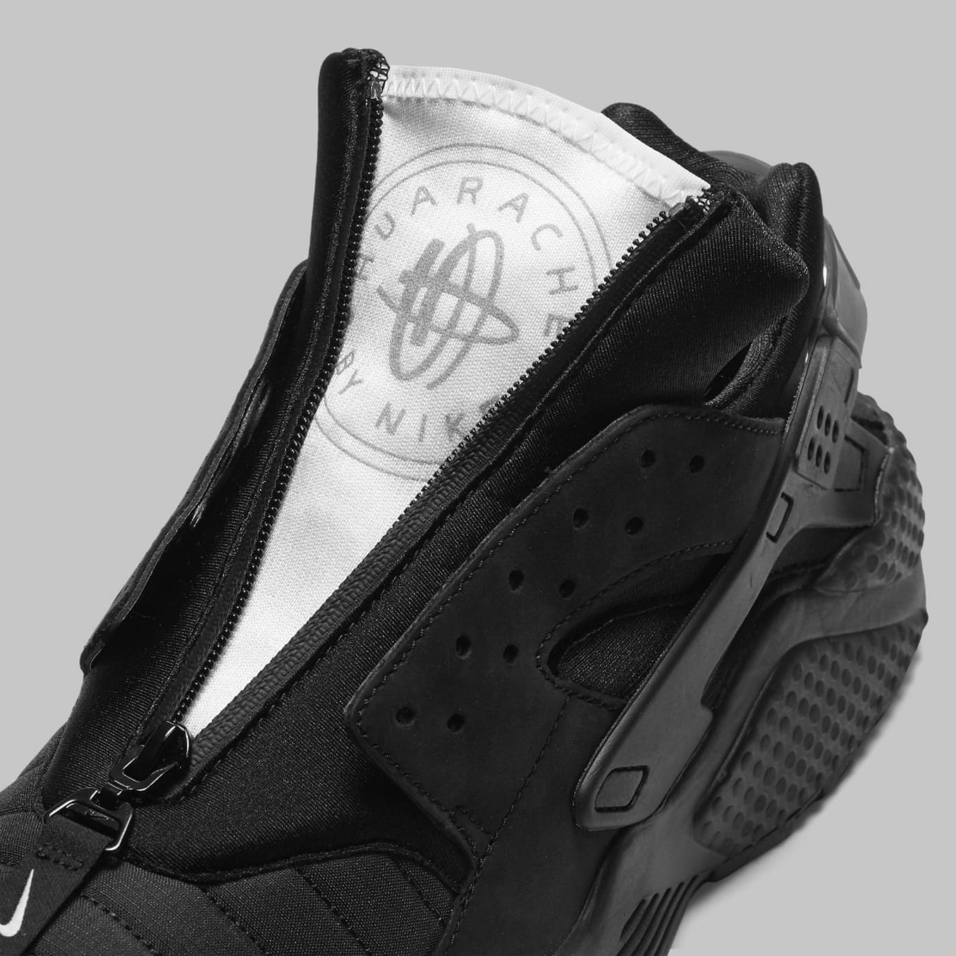 Date Huarache 001 Nyc Aj5578 Release Black Run Nike Triple Air 0xFFpv