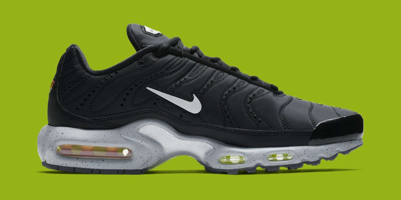 Nike Air Max Plus 'Black/Matte Silver/Volt' 815994-003 (Medial)