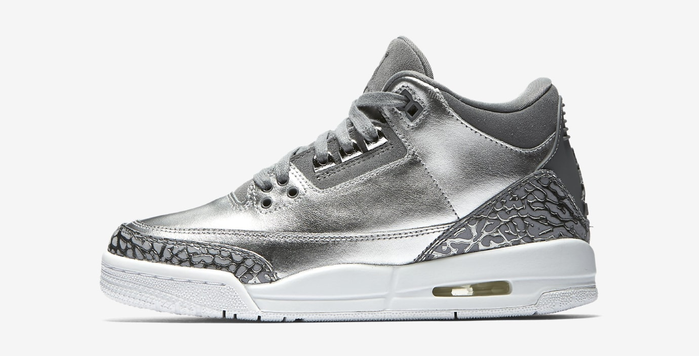 Air Jordan 3 Chrome