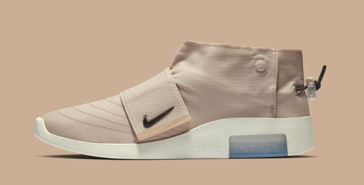 Fear of God x Nike Moccasin AT8086-200 (Lateral)