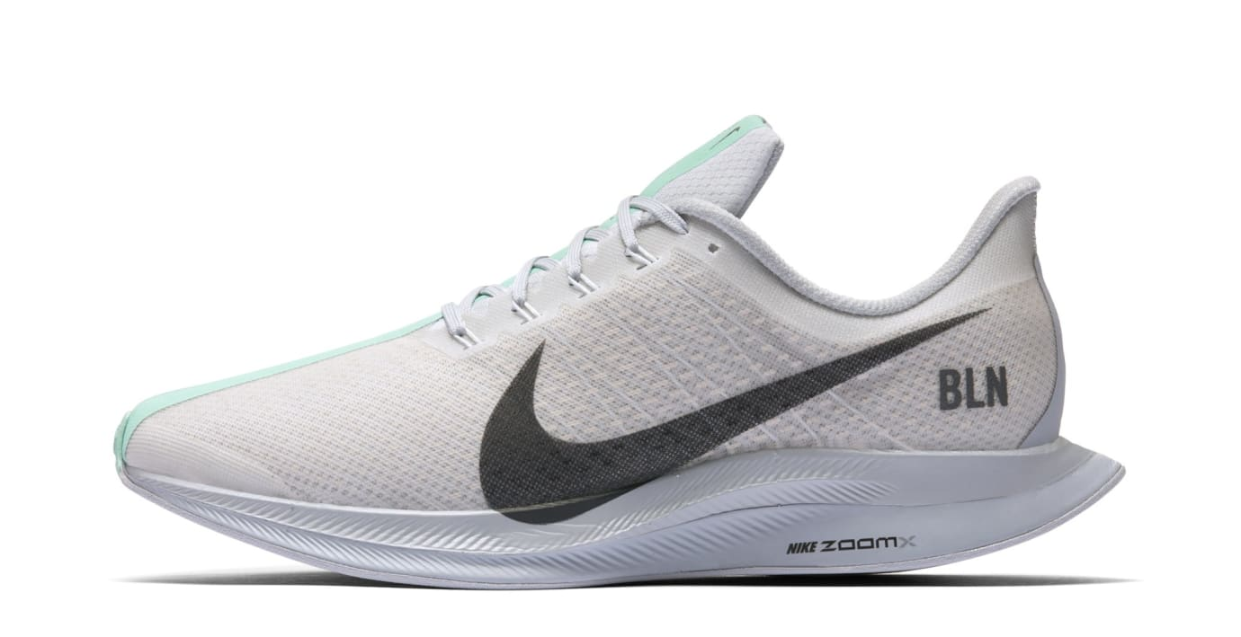 Nike Zoom Pegasus Turbo 'Berlin' AV7005-001 (Lateral)