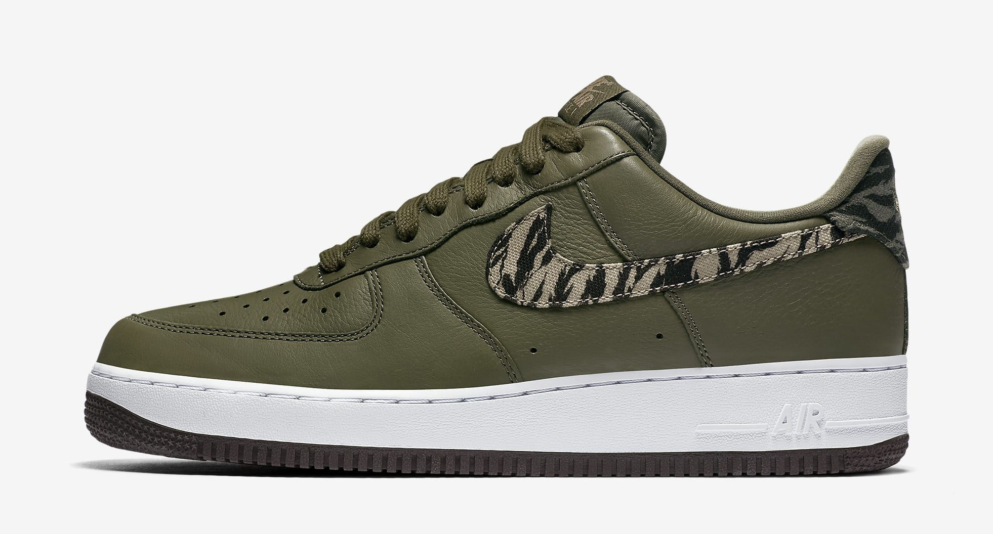 Nike Air Force 1 Low AQ4131-200 (Lateral)