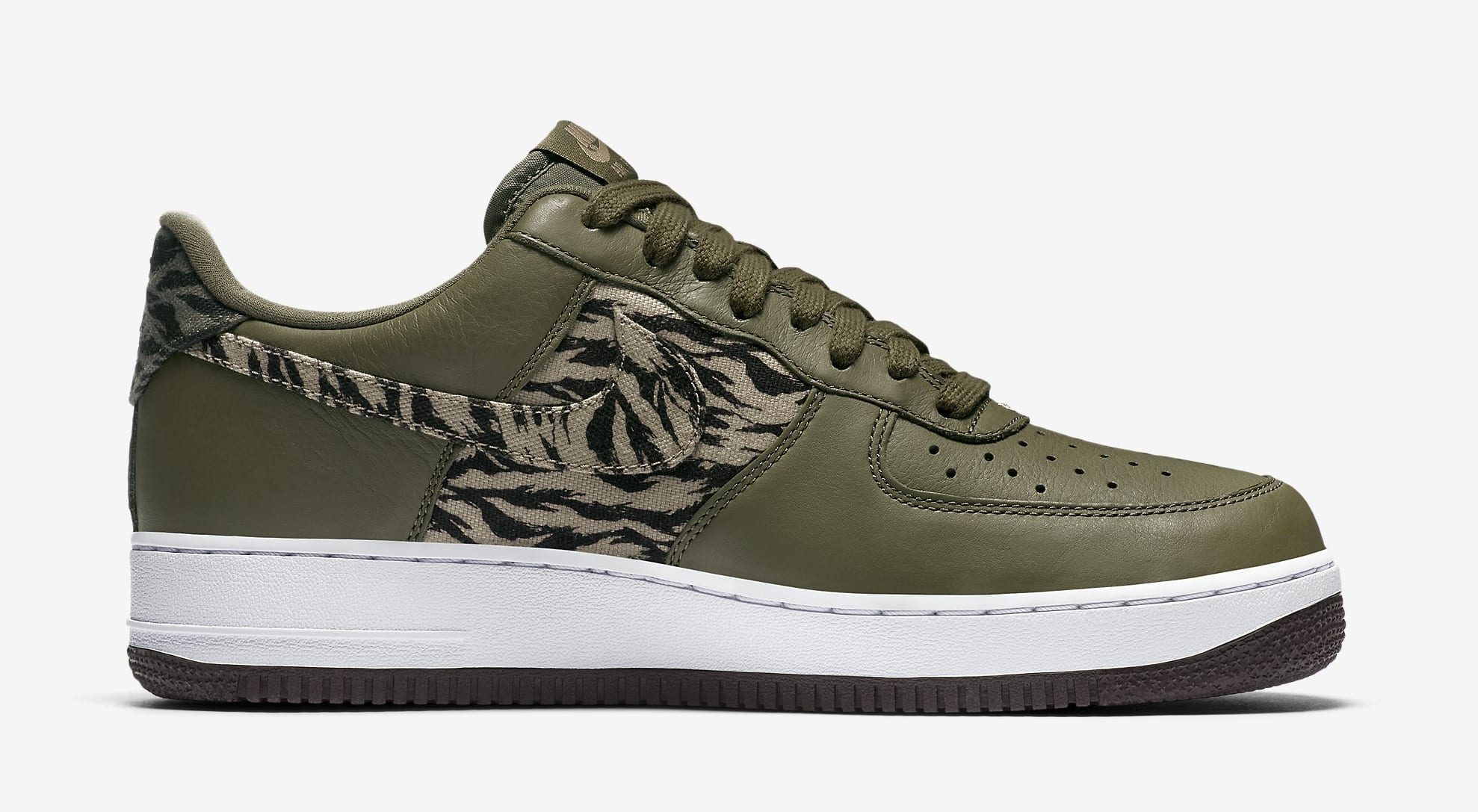 Nike Air Force 1 Low AQ4131-200 (Medial)