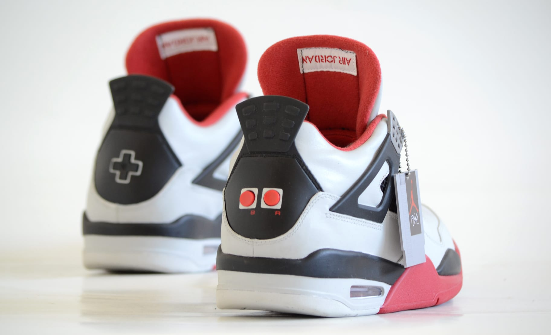 Air Jordan 4 Nintendo Custom (2)