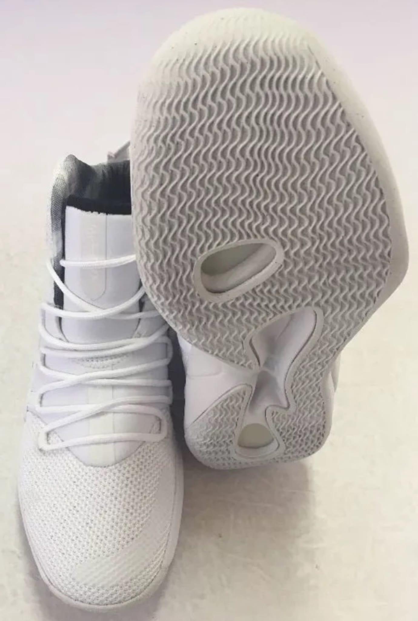 Nike Hyperdunk 2018 TB White/Black AR0467-100 Left Sole