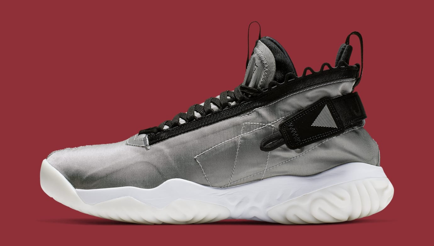 Jordan Proto React 'Grey/Black' BV1654-002 (Lateral)