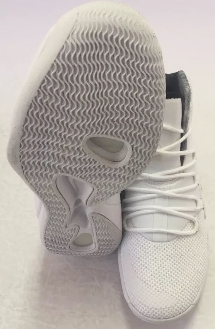 Nike Hyperdunk 2018 TB White/Black AR0467-100 Right Sole