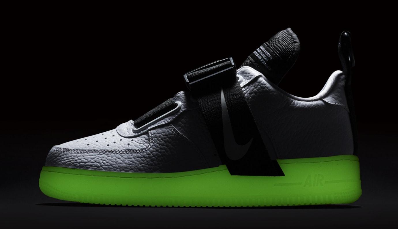 70639aed913 Image via Nike Nike Air Force 1 Utility AV6247-100 (Sole)