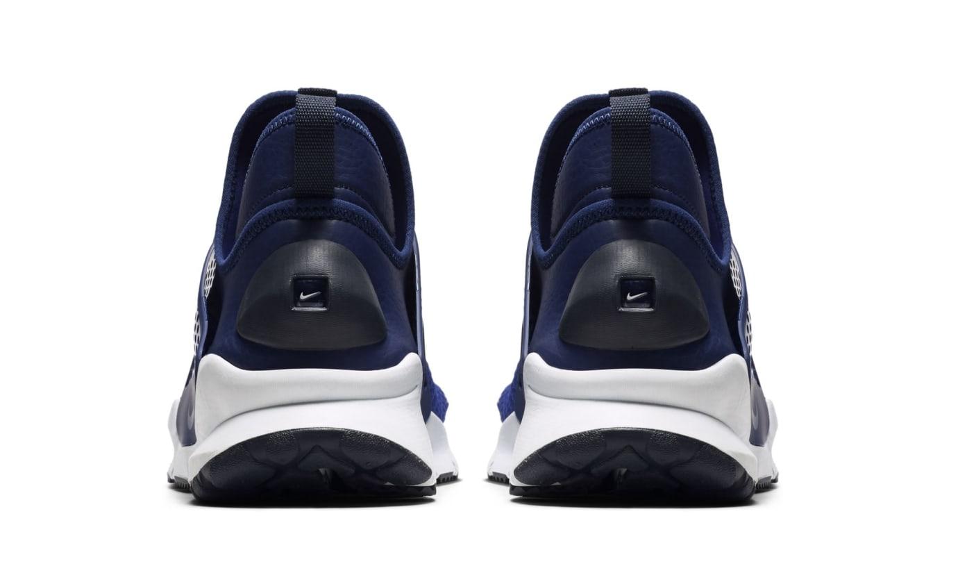 Nike Sock Dart Mid Navy (Heel)