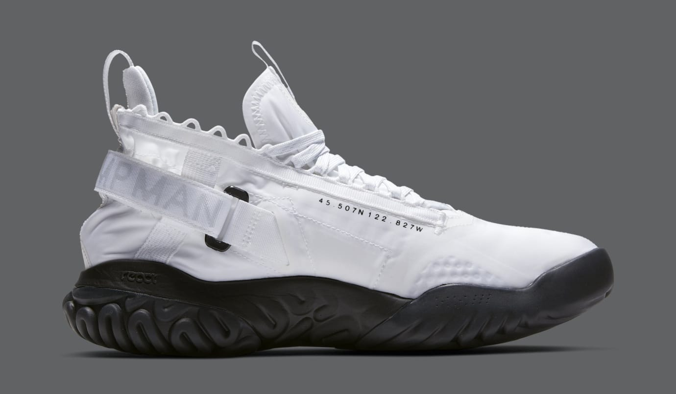 Jordan Proto React 'White/Black' BV1654-100 (Medial)