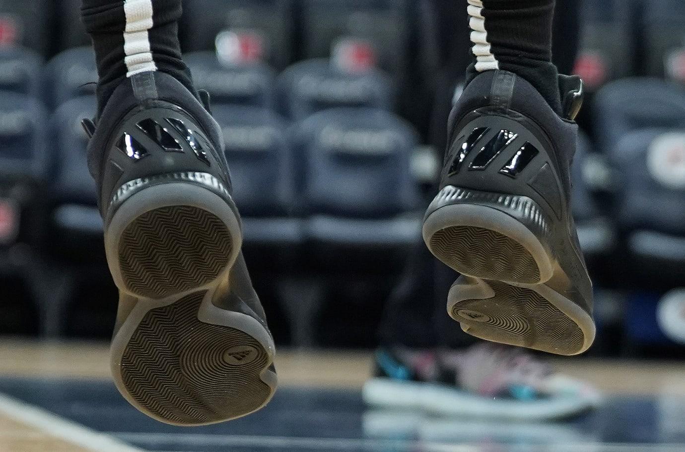 Derrick Rose в Adidas D Rose 10