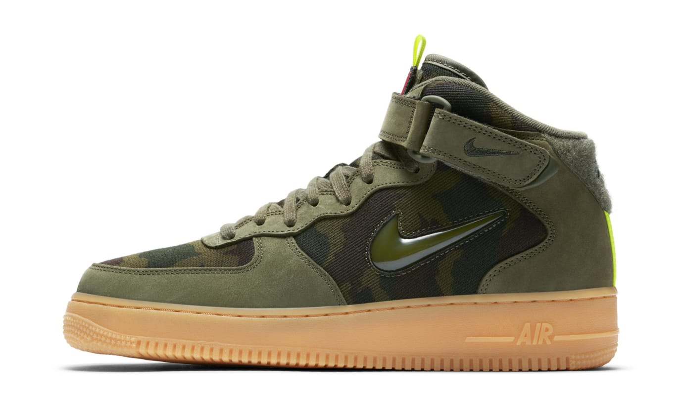 huge discount 534ab a7f13 Nike Air Force 1 Mid  France Camo  AV2586-200 (Lateral)