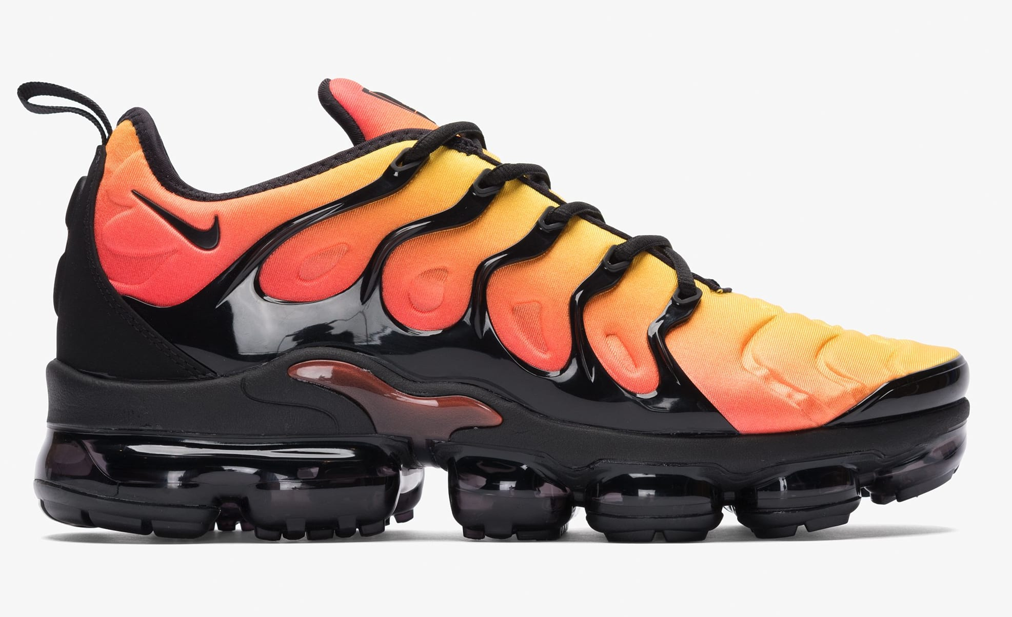 newest dbf80 31206 ... wholesale nike vapormax plus sunset black total orange lateral 13e07  fdab1 ...