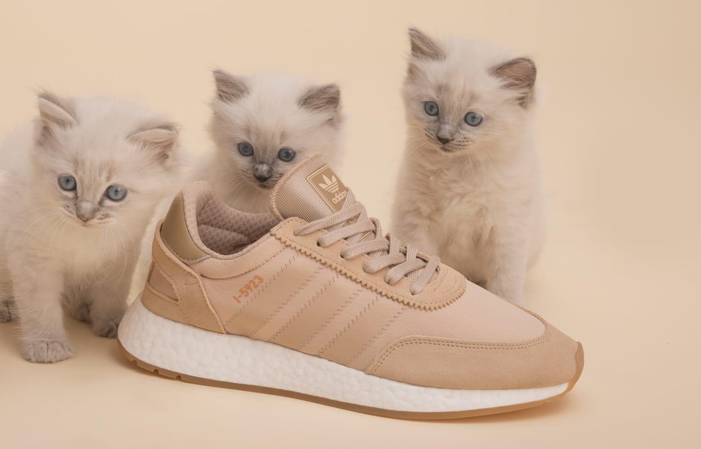 Sneakersnstuff Adidas I-5923 'Pale Nude' B43526 (Detail)