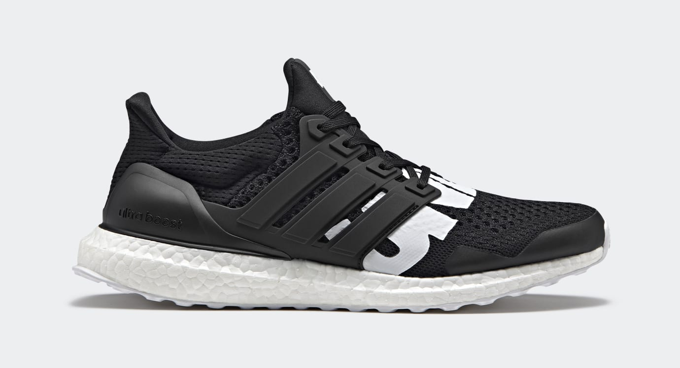 Undefeated x Adidas Ultra Boost B22480 (Lateral)