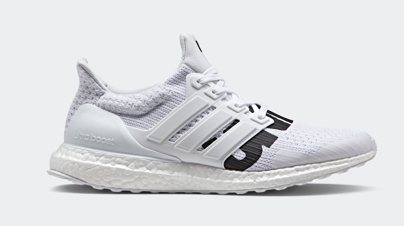 Undefeated x Adidas Ultra Boost BB9102 (Lateral)