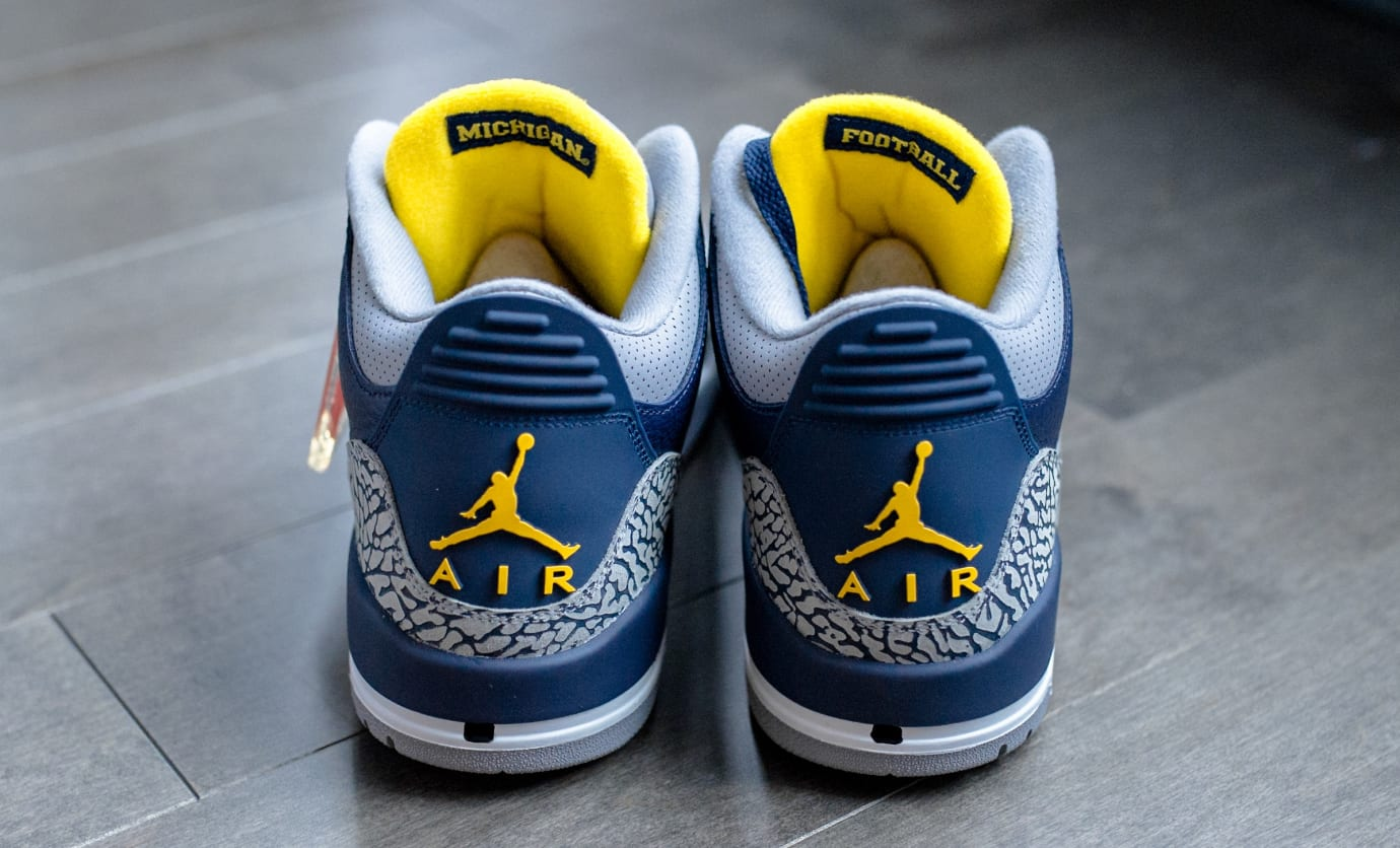 Air Jordan 3 'Michigan' PE (Heel)