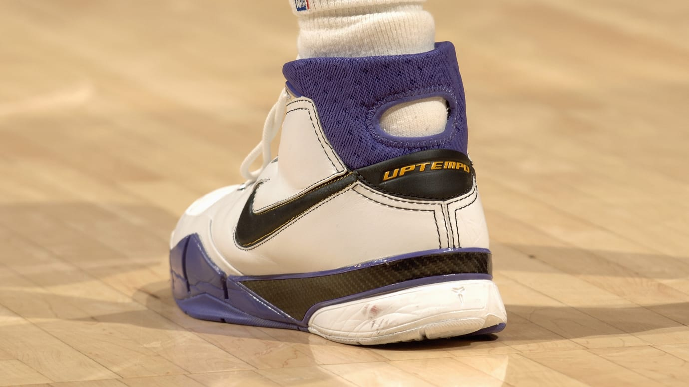 best sneakers 3cb88 92192 Kobe Bryant 81 Points Nike Zoom Kobe 1