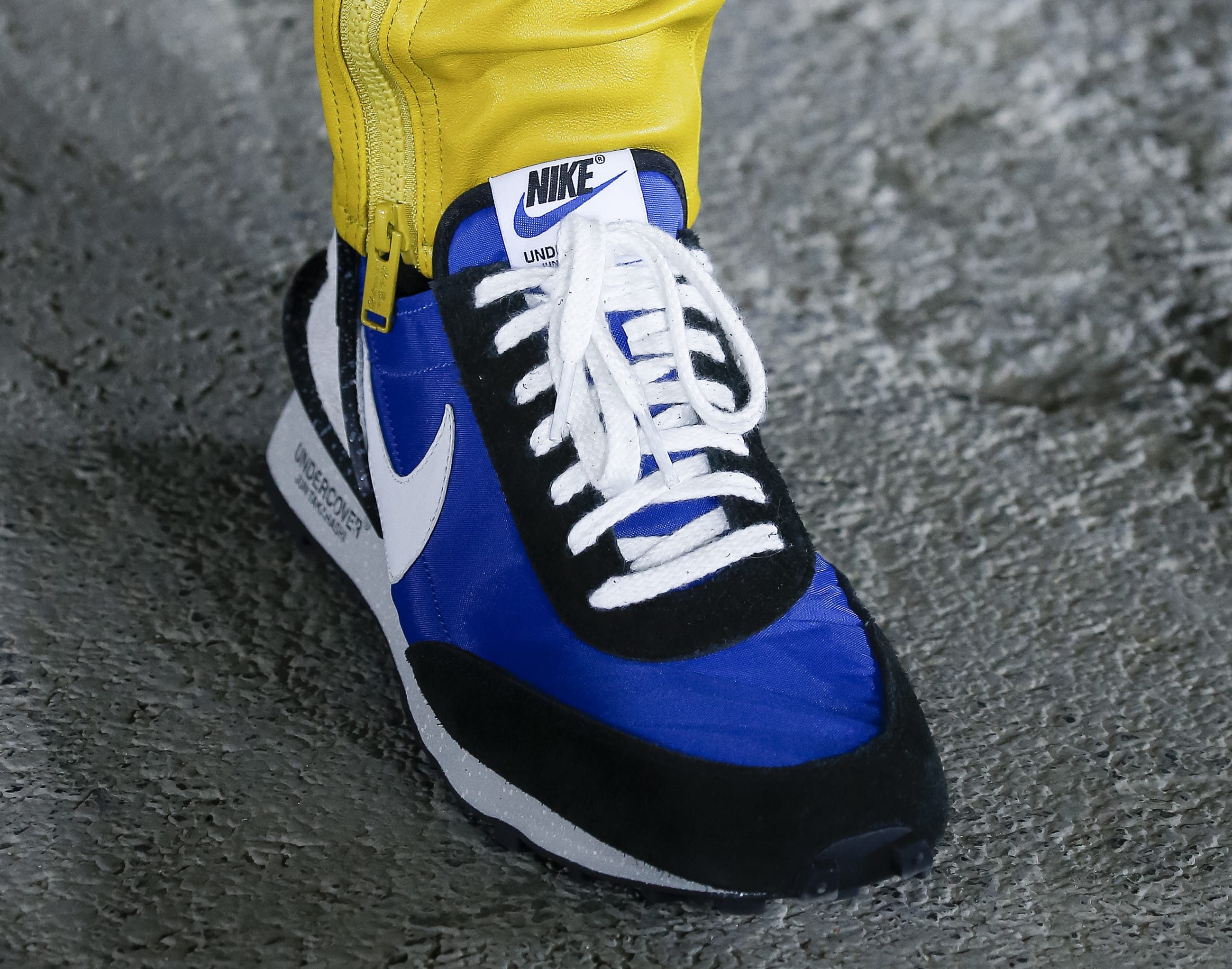Undercover x Nike Paris Fashion Week Blue Low-Top (Front)