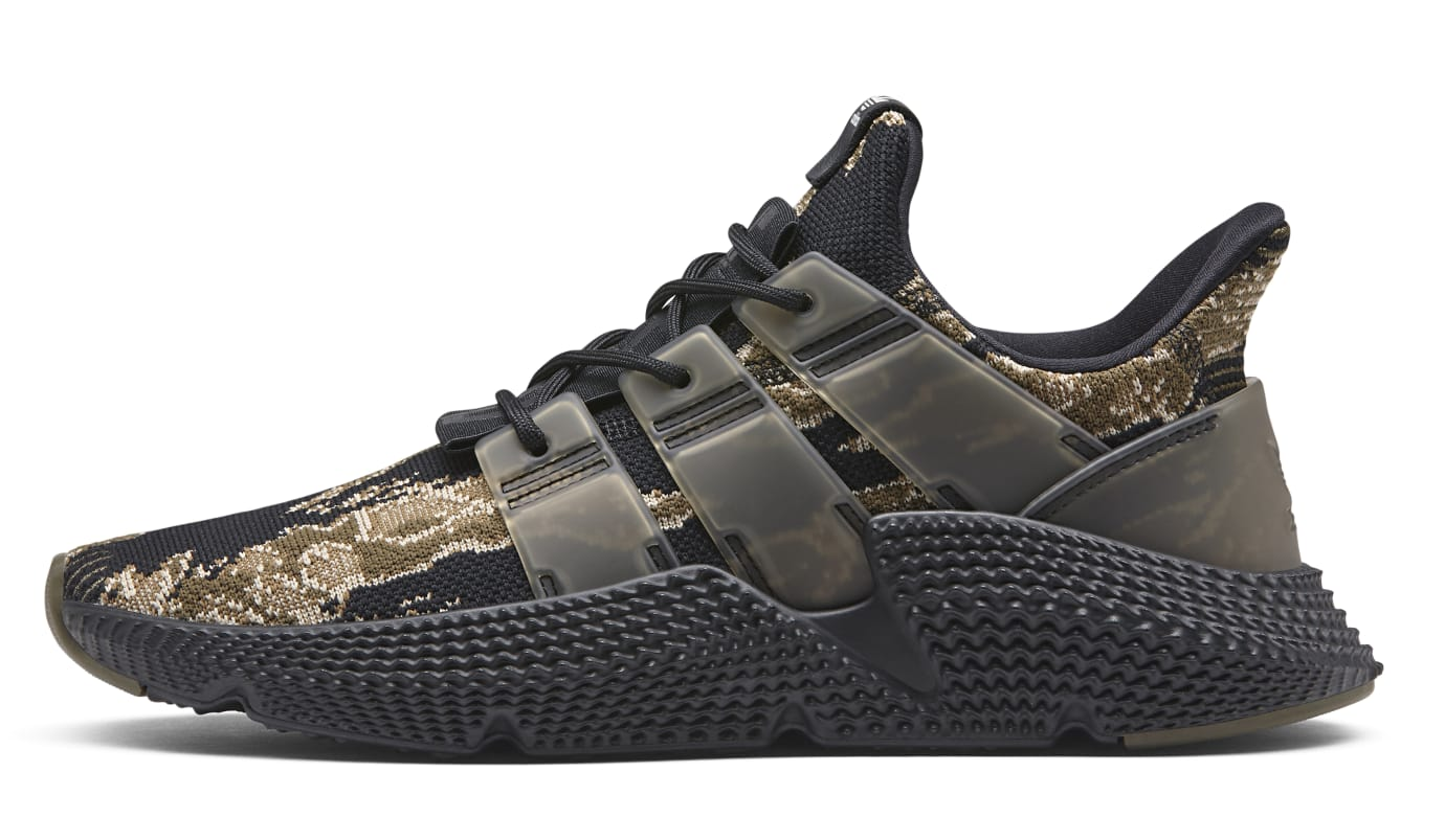 UNDFTD x Adidas Prophere Core Black/Trace Olive-Raw Gold AC8198 (Lateral)