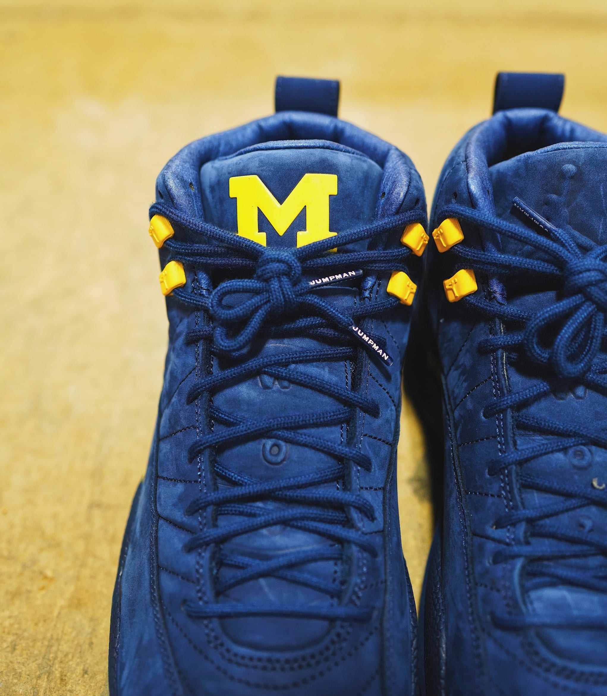 Air Jordan 12 'Michigan' BQ3180-407 (Tongue Pair)