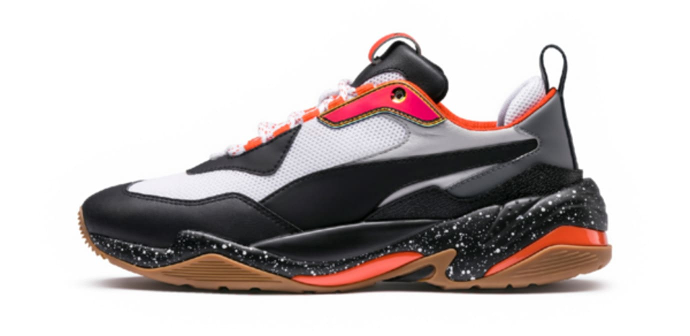 6c5a8fe5bc2b Image via Puma Puma Thunder Electric 367996-01 (Lateral)