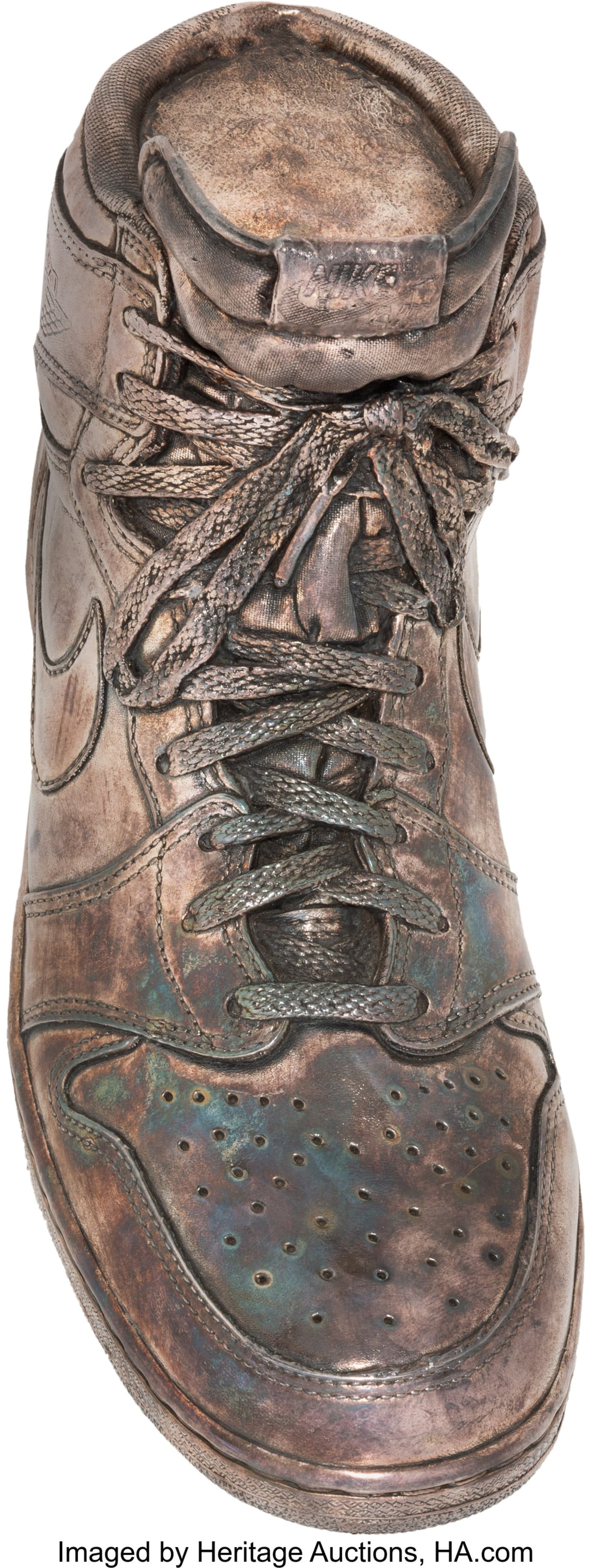 Image via Heritage Auctions air-jordan-1-silver-auction 833126f29