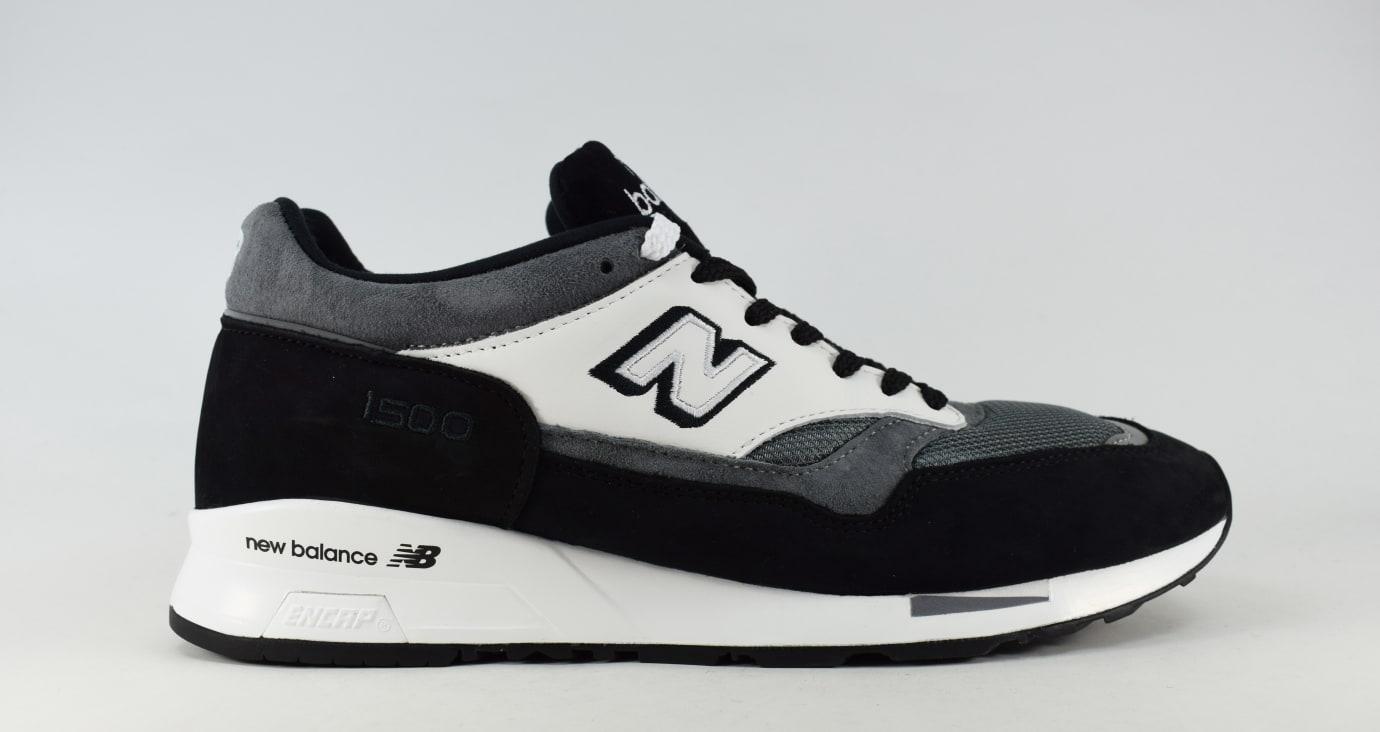 uk availability 0c2e7 dacd3 Comme des Garcons x New Balance 1500 (Black White)
