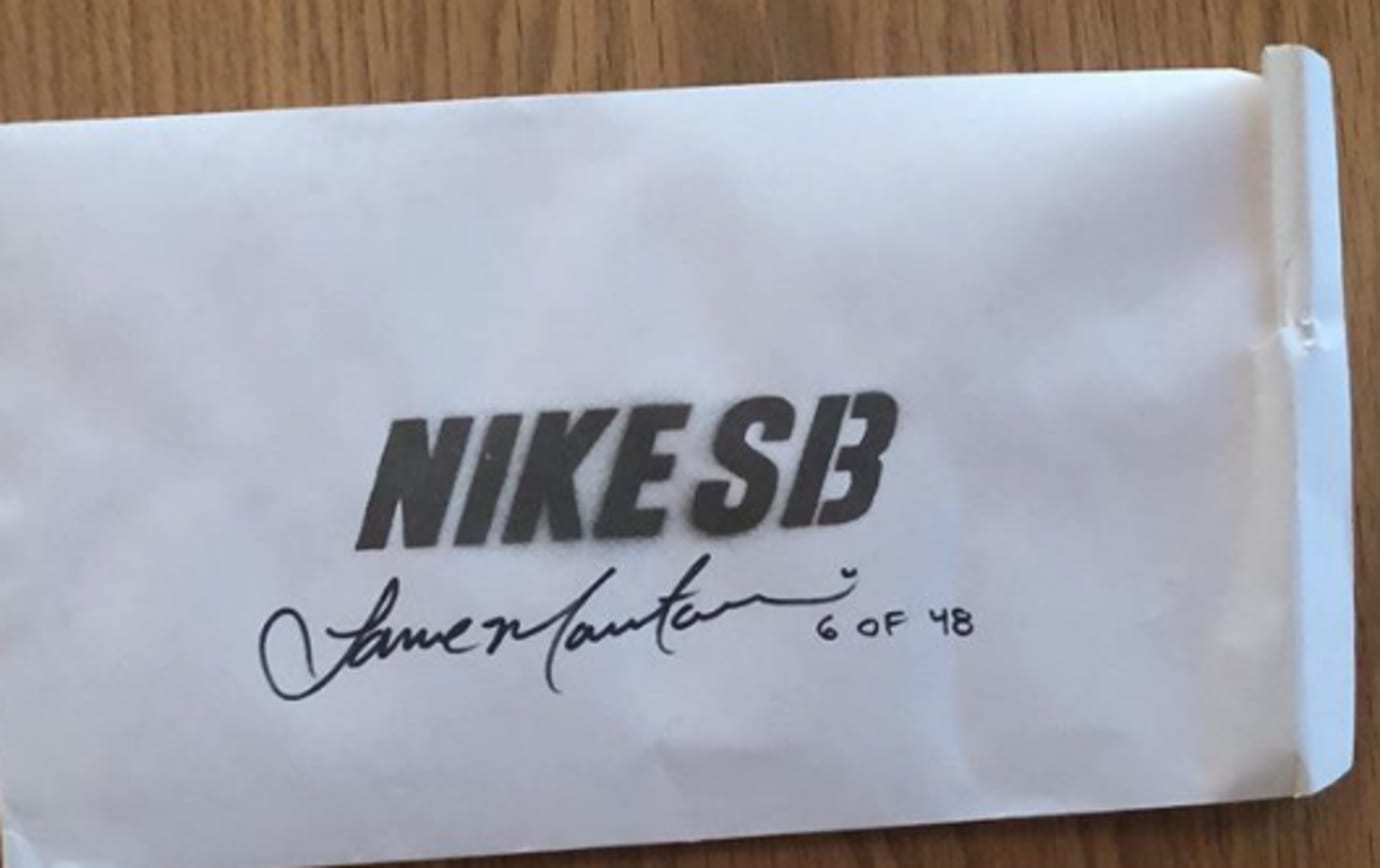 Stussy x Nike SB Blazer (Packaging)