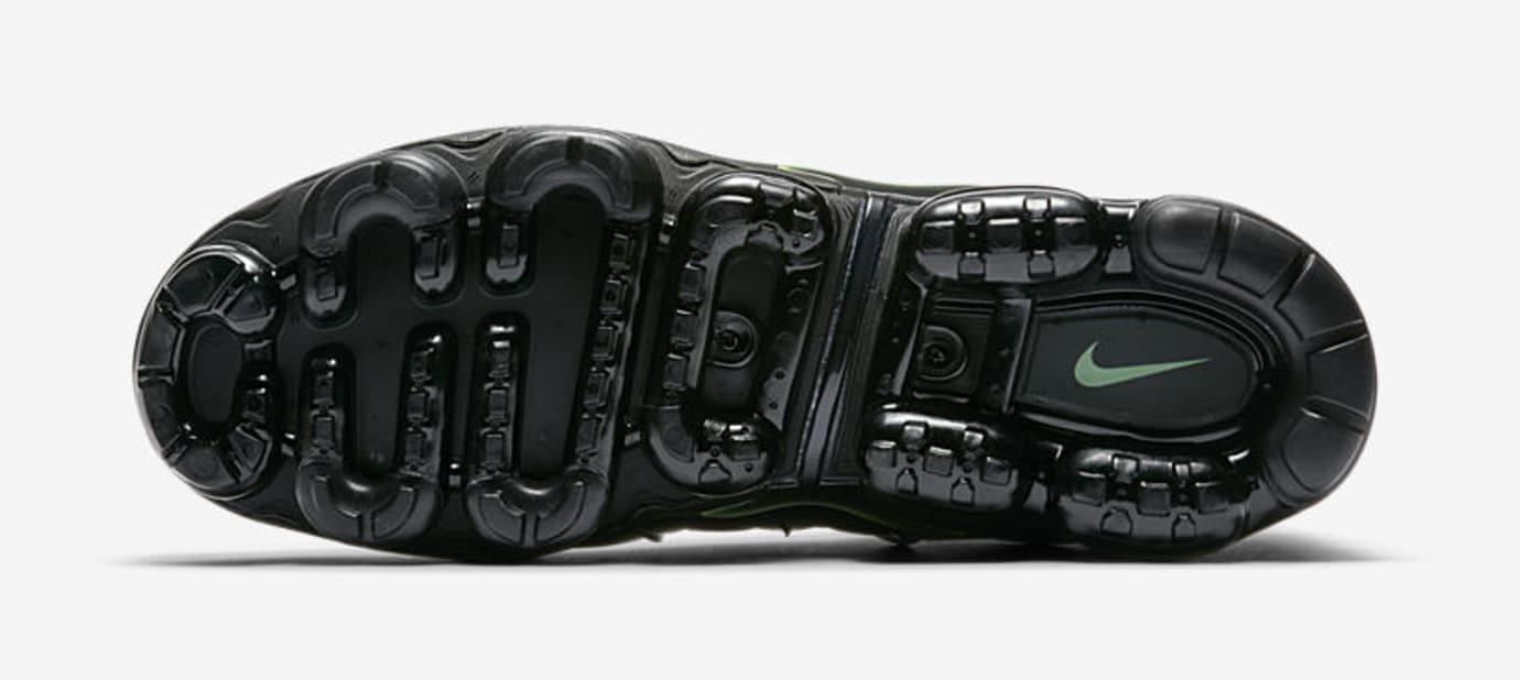 Nike Air VaporMax Plus 'Black/Volt' 924453-009 (Bottom)