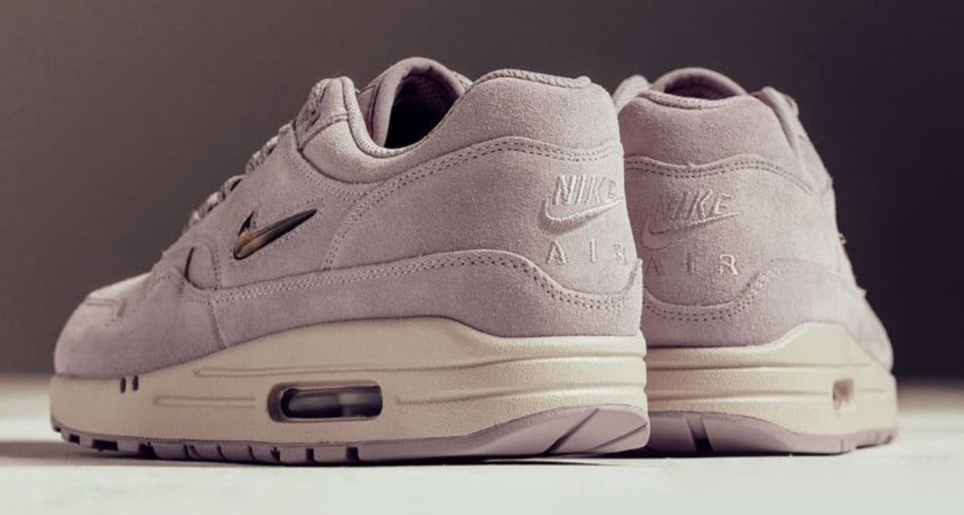 reputable site 62f2b 8601c Image via Feature · Nike Air Max 1 Jewel Particle Rose 918354-601 (Heel)