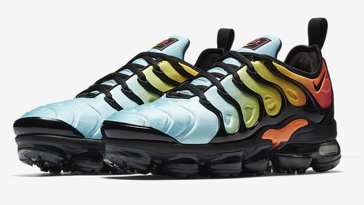 Nike Drops Multicolored Air VaporMax Flyknit 2.0